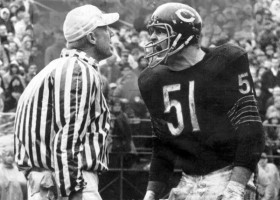 TRIBUNE FILE PHOTO : CHICAGO TRIBUNE CELEBRATING 150 YEARS BOOK : Chicago Bears Dick Butkus.  (Football Pro, Athlete, Referee, Biography)