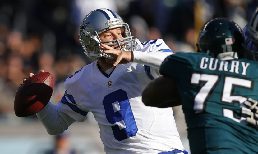 PHILADELPHIA, PA - JANUARY 01: Quarterback Tony Romo #9 of the Dallas Cowboys attempts his first pass of the season as Vinny Curry #75 of the Philadelphia Eagles closes in during the second quarter of a game at Lincoln Financial Field on January 1, 2017 in Philadelphia, Pennsylvania. (Photo by Rich Schultz/Getty Images) ORG XMIT: 681241579 ORIG FILE ID: 630763924